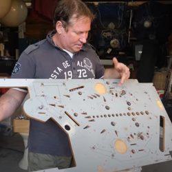 """Queensland pinball machine wizard restores treasures of the past in basement"": ABC Australia"