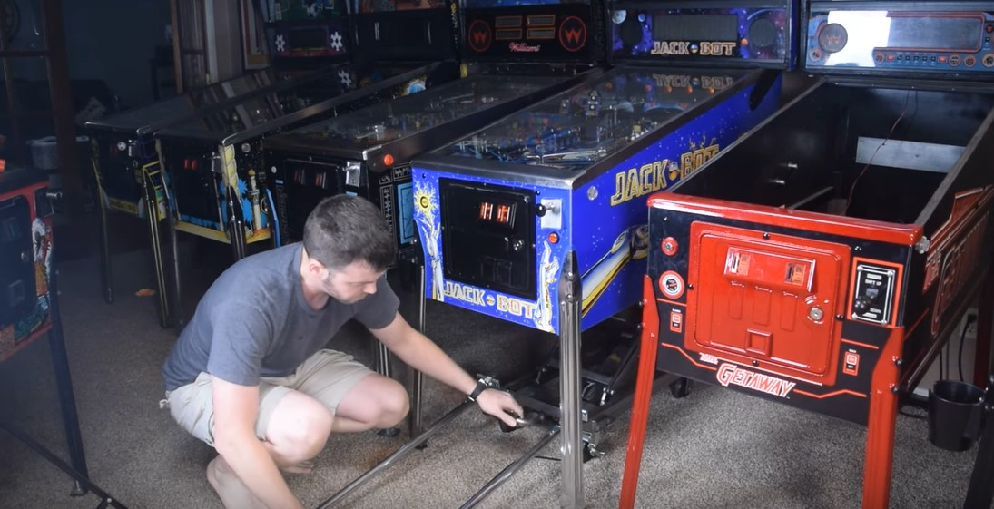 Modding a Lifting Cart for Pinball Machines
