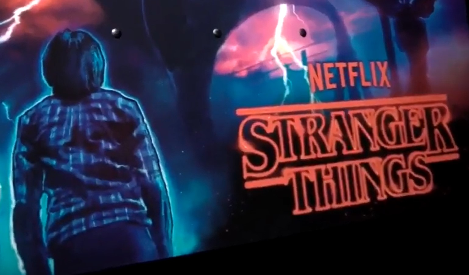 Chuckwurt vs. Stranger Things LE