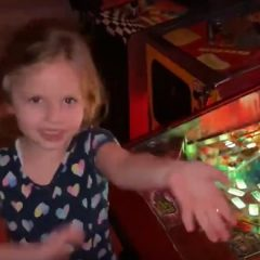 Willy Wonka pinball review by a 4-year-old