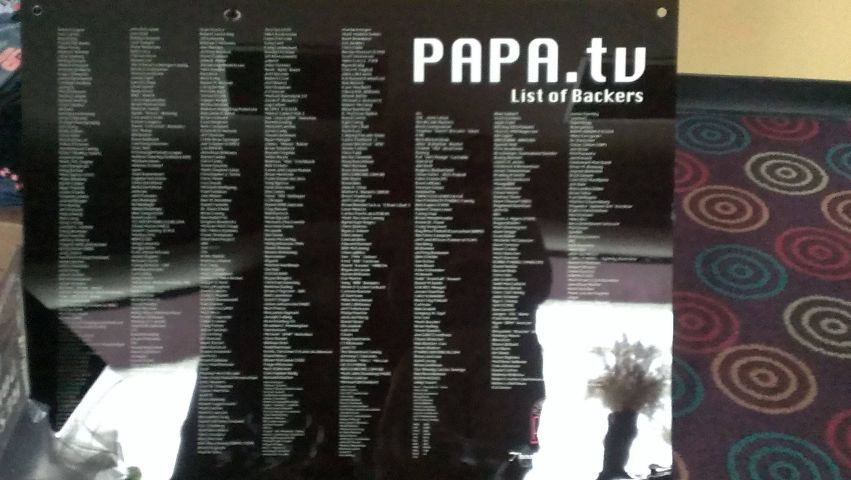 papatv-backers-sign